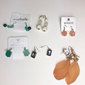 Jewelry - Bundle of Costume Jewelry